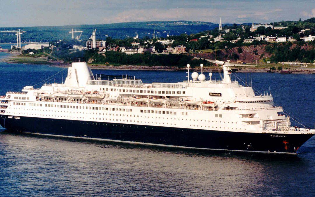 Ein Ära endet: Erstes Meyer-Kreuzfahrtschiff muss in Rente
