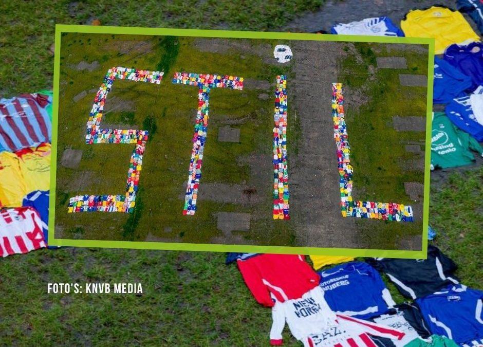 KNVB voert actie tegen coronamaatregelen: 'Laat ons niet langer stilstaan'