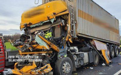 Schwerer Unfall auf der Autobahn: Lkw-Fahrer übersieht Stauende