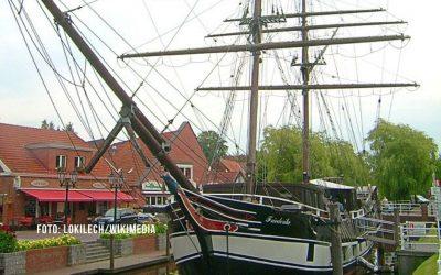 Schiffsbrand in Papenburg: Ursache noch unklar – Suche nach zwei Zeugen läuft