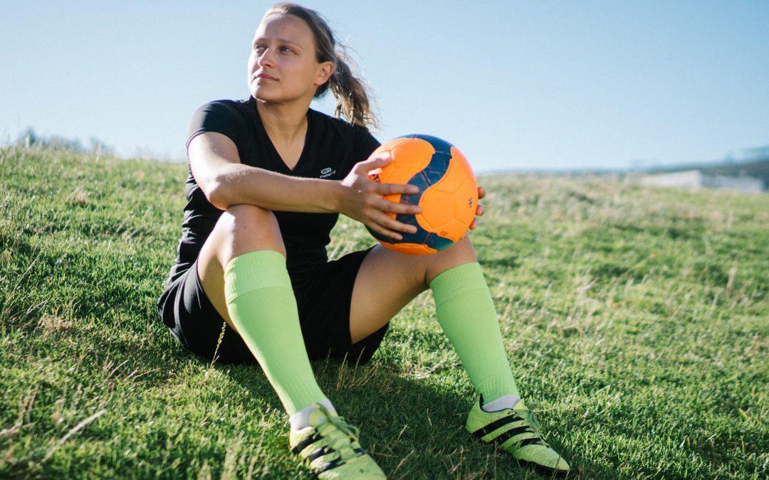In den Niederlanden dürfen Frauen künftig gemeinsam mit Männern Fußball spielen